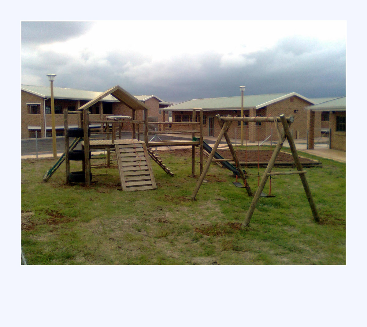 cheap-jungle-gym-wooden-steel-durban-joburg-cape-town-sales-install-installation-slide-sand-pit-swing-monkey-bars-tyres5